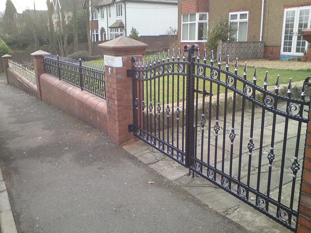 Wrought Iron Gates: Aber Wrought Iron :: Wrought Iron Gates, Caerphilly, South