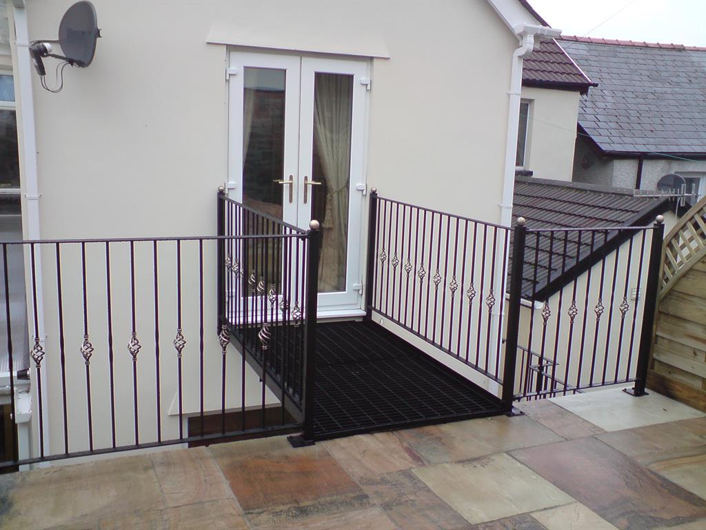 Aber Wrought Iron :: Wrought Iron Balcony Walkway, Caerphilly
